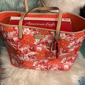 Authentic Coach Tote Reg $328 Like New w/ Wallet